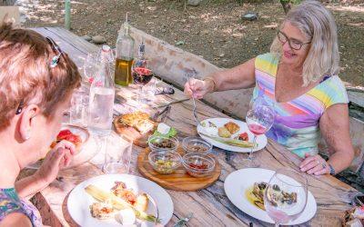 Vi besöker agroturismgården Mrizi i Zanave tillsammans med Monica Oldsberg